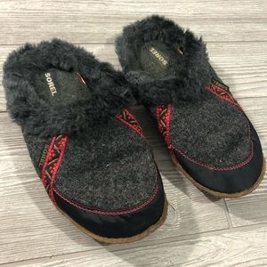 Sorel • Faux Fur Lined Slippers